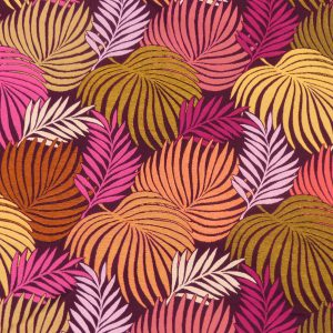 """Un tissu jacquard d'ameublement """"Made in France"""". De belles et larges feuilles aux teintes éclatantes se décomposent sur un fond plus sombre entre lie de vin et noir. La qualité de ce tissu d'ameublement, souple et bien solide, se prétera à toutes vos réalisations aussi bien sièges que rideaux."""