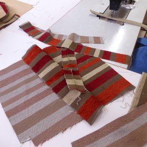 Découpage des pièces de tissus pour faire une galette de qualité