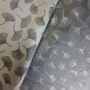 tissu jacquard réversible motifs feuilles de ginko bicolores gris argenté et blanc
